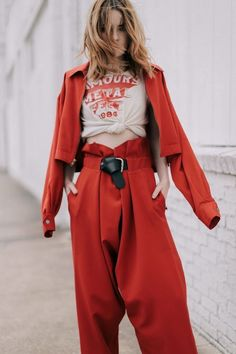 Red Rust Pant Suit Street Style Fashion Blogger StreetStyle Berry Cherry Color Graphic Tee Vintage Redhead