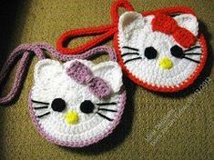 Find the best free crochet bag patterns including crochet purses, crochet totes, gift bags and more. See how easy it is to crochet your own tote or market bag. Chat Crochet, Crochet Mignon, All Free Crochet, Crochet Girls, Crochet For Kids, Crochet Crafts, Yarn Crafts, Crochet Projects, Crochet Handbags