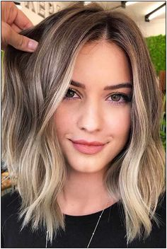 Middle Parted Lob ❤ Eve. Middle Parted Lob ❤ Eve. Middle Parted Lob ❤ Even if you think that you've seen all the haircuts for women, there is still something you should know about Grey Balayage, Hair Color Balayage, Hair Highlights, Color Highlights, Ombre Hair, Lob Ombre, Balayage Hair Brunette With Blonde, Short Balayage, Classic Haircut