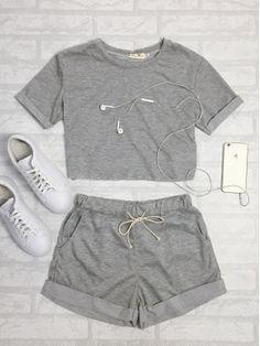 Sólidos manga corta cuello redondo costura superior y cordón Shorts Set