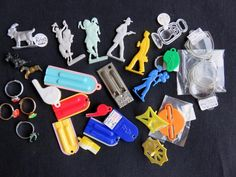 Nice eBay auction ending on 2/2. Some good Cracker Jack prizes in the lot. Bid now on eBay.