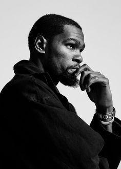 Golden State Warriors star Kevin Durant is focused on building a future after basketball Basketball Workouts, Basketball Art, Basketball Quotes, Kevin Durant Wallpapers, Kevin Durant Basketball, Black And White Picture Wall, Nba Fashion, Bicycle Women, Nba Champions