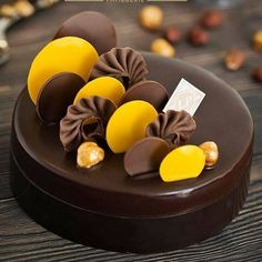 Beautiful Entremet in Kolkata India By 👉 By👉 By👉 Cake Decorating Frosting, Creative Cake Decorating, Cake Decorating Techniques, Creative Cakes, Small Desserts, Fancy Desserts, Delicious Desserts, Chocolate Cake Designs, Dessert Presentation