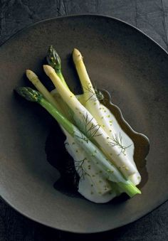 ASPARAGUS with BUTTERMILK, FENNEL POLLEN, FENNEL TIPS & SMOKED OIL [Ben Shewry] [gourmettraveller]