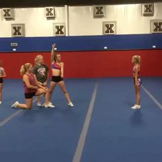 Like the first stunt and the way they get into the shoulder sit Easy Cheerleading Stunts, Cool Cheer Stunts, Cheer Tryouts, Cheerleading Cheers, Cheer Coaches, Cheer Athletics, Youth Cheer, Cheer Camp, Cheer Pyramids