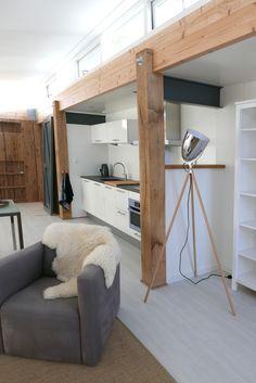 Er is gebouwd met een combinatie van natuurlijke, historische en moderne materialen en is van alle gemakken voorzien.