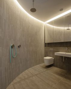 Bathroom, Warehouse Style Apartment in Shoreditch, London