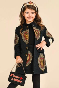 Lovely Baby Girl Clothes Winter Ideas 2018 40 - The arrival of a new born is the most welcome idea for parents. As parents you usually think of your baby and try to give him or her very best. Kids Winter Fashion, Winter Outfits For Girls, Kids Outfits, Kids Fashion, African Dresses For Kids, Dresses Kids Girl, Dolce And Gabbana Kids, Dolce E Gabbana, Kids Coats