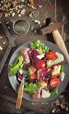 Salami-punasikuripanzanella - Salaatit - Reseptit - Helsingin Sanomat