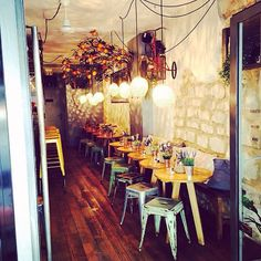 Had GR-EAT food  over here yesterday night, if you are looking for a cozy atmosphere with good wines and delicious plates to share, this adress in the middle of le Marais is the one  ~ La Petite Mangerie  #bonneaddresse #food #wine #friends #tapas #vins #paris #lemarais #parisjetaime #parijs #mustgo #ruedebretagne #marais