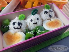 Smiling apples' bento :) Bento Box, Cute Food, Apples, Boxes, Pudding, Cooking, Desserts, Recipes, Kitchen
