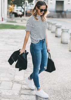 Beauty cute but casual look of the most stylish jeans outfits ideas 16 – wonders style Uni Outfits, Spring Outfits, Cool Outfits, Boyish Outfits, Jean Outfits, Women Casual Outfits, Outfit Jeans, Jeans And Sneakers Outfit, Sneakers Fashion Outfits