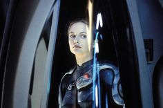 Still of Heather Graham in Lost in Space (1998) http://www.movpins.com/dHQwMTIwNzM4/lost-in-space-(1998)/still-4171479552