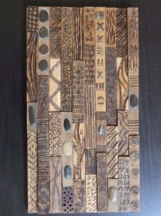Accumulation de bois flottant - Album photos - The Fab . Wooden Wall Art, Wood Wall, Sculpture Projects, Art Projects, Abstract Geometric Art, Wood Mosaic, Aboriginal Art, Wall Sculptures, Wood Carving