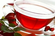 Cómo adelgazar con té rojo. El té es una bebida milenaria con propiedades adelgazantes que la convierten en la herramienta preferida por muchas mujeres para deshacerse de los kilos de más. Tres tazas de té rojo pueden cambiar tu...
