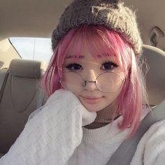 Girl With Pink Hair, Temporary Hair Color, Kawaii Clothes, Cool Hair Color, Beauty Full Girl, Kawaii Girl, Ulzzang Girl, Aesthetic Girl, Pretty Hairstyles