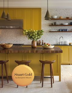 Get Inspired With House & Home's 2019 Paint Trends - Fashion Color: Stuart Gold Benjamin Moore Home Decor Kitchen, Kitchen Furniture, Kitchen Interior, New Kitchen, Home Kitchens, Kitchen Ideas, Awesome Kitchen, Design Kitchen, Furniture Design