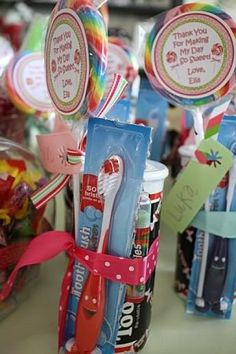 I love the idea of including toothbrushes in party favors. Especially for a Candyland party!  Kristi