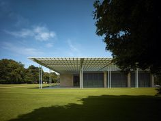 The natural landscape and its relationship with the garden are the keys to understanding the new project by Kraaijvanger Architects in the Netherlands, the Museum Voorlinden, which opened recently in Wassenaar. The museum contains the private contemporary art collection of Joop van Caldenborgh, one of the most important private collections in the Netherlands. #museum #architecture