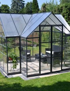 Spacious and Elegant Greenhouse for Gardening and Relaxing!