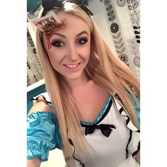 Alice in Wonderland card in face Halloween special fx makeup