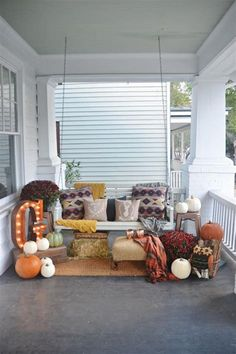 Use these pretty fall decorating ideas to add pizzazz to your porch this autumn. Whether it& a gourd, wreath, or full porch display, you& sure to find beautiful fall inspiration for your front entry. City Farmhouse, Vintage Farmhouse, Porch Decorating, Decorating Ideas, Decor Ideas, Holiday Decorating, Shabby, Autumn Home, Autumn Fall