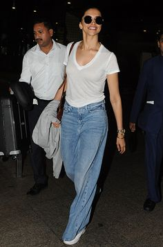 Only Deepika Padukone Can Pull Off Wide-Legged Mom Jeans! Celebrity Casual Outfits, Teen Fashion Outfits, Fashion Pants, Women's Fashion Dresses, Bollywood Girls, Bollywood Fashion, Deepika Padukone Jeans, Comfy Airport Outfit, Next Clothes