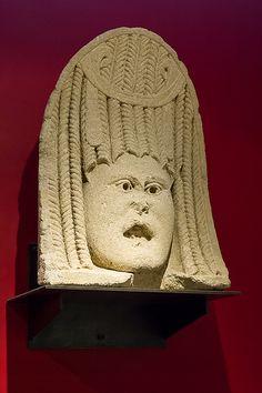 masque scénique funéraire, musée municipal, Vaison-la-Romaine