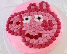 Miam miam, pour un dessert, goûter ou anniversaire, vos enfants vont pouvoir goûter à ce merveilleux gâteau tagada Peppa Pig ! Découvrez vite la recette !