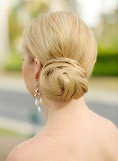 Chignon bas sur Wedding Wire #wedding #weddinghair