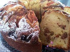 Συνταγές της Άσπας: Το κέικ που έριξε το διαδίκτυο - Κέικ γιαουρτιού με σταφίδες και μήλα της Άσπας! Greek Sweets, Greek Desserts, Greek Recipes, Eat Greek, Muffin, Food And Drink, Cookies, Baking, Breakfast