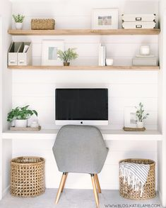 I think the floating shelves are a cool look, but I would like them to be white so with the accent wall they would pop. Home Office Space, Home Office Design, Home Office Decor, Office Nook, Office Room Ideas, Closet Office, Kitchen Office, Kitchen White, Dyi Office Desk