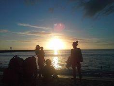 Bonsoiiiiir les gens !!! je m'en suis pris plein la vue encore ce soir ! Le bel habite la Réunion soman !!! Hello people !!! great moment for me tonight we had a beautiful Sunset. I'm so lucky to leave in Réunion island really !!! #reunionisland #laReunion #iledelareunion #974island #974 #team974 #instadaily #sunset #sunsetlovers  #instagrammers #instagrammer #indianocean #beach #followme #folow #instagram => @manumega #Snapchat => manumegaoff => #twitter => #facebook #oklm #France by…