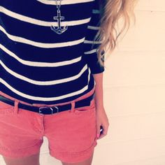 I have 2 pastel shorts like this, one deep green and one orange, but a coral one will definitely look cute. High-waisted would be even better. Love the anchor necklace too.