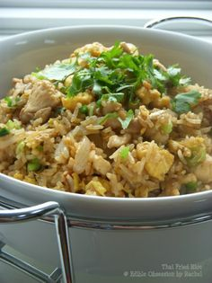 Edible Obsession: Thai Fried Rice: The Basic. mmmm Thai night soon Marker Thai Recipes, Rice Recipes, Indian Food Recipes, Asian Recipes, Chicken Recipes, Cooking Recipes, Healthy Recipes, Cooking Rice, Recipies