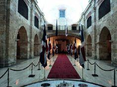 Santo Domingo, Dominican Republic: Entrando al Mausoleo en la zona Colonial