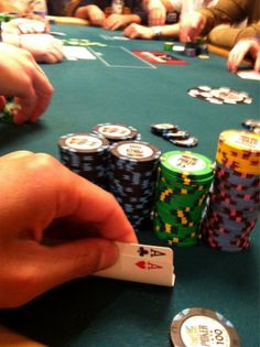 Twitter Engineer Tweets World Series of Poker Journey