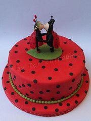 Marienkäfer Brautpaar Hochzeitstorte Ladybugs, San Antonio, Party, Desserts, Food, Cow, Food Cakes, Newlyweds, Tailgate Desserts