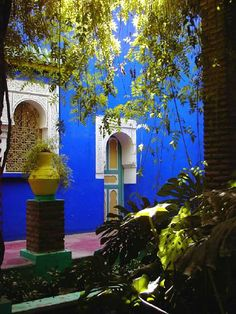 Les jardins de Majorelle - Marrakech in Marrakesh, Morocco Moroccan Design, Moroccan Style, Porch And Terrace, Moorish, North Africa, French Artists, Interior And Exterior, Exotic, Beautiful Places