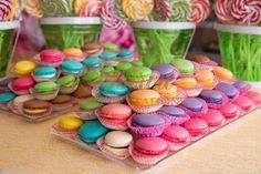 γλυκά βάπτισης :: MACARON MIX Christening, Macarons, Candy, Cookies, Sweet, Desserts, Food, Ideas, Crack Crackers
