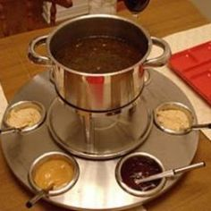meat fondue recipes Try this Fondue - Chicken and Beef recipe, or contribute your own. Fondue Recipe Melting Pot, Broth Fondue Recipes, Sauce Recipes, Yummy Recipes, Yummy Food, Healthy Recipes, Chicken And Beef Recipe, How To Cook Chicken, Fish Recipes