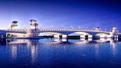 Da Vien bridge in the evening