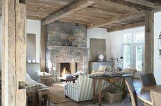 Interiores con Paredes de Piedra para Embellecer tu Hogar