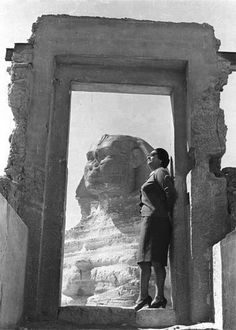 أم كلثوم Omm Kalthoum and the Sphinx. Two Egyptian icons meet.