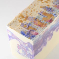 In love with this mica-painted-top soap by @smallbatchsoaps  #soapmaking #soapshare #soaplover #soap #soapmaker #soaplove #soaping #soaper #saboaria #artesanal #natural #feitoamao #handcrafted #handcraftedsoap #handmade #handmadesoap #shower #clean #beauty #body