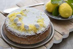 Per preparare la torta caprese al cioccolato bianco e limone iniziate a montare le uova in planetaria col gancio a frusta. Aumentate progressivamente la...