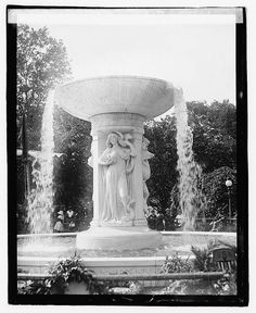 Dupont Circle Fountain by Daniel Chester French, 1921