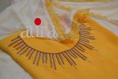 Kurtha Designs, Chudidhar Neck Designs, Salwar Neck Designs, Churidar Designs, Dress Neck Designs, Blouse Designs, Embroidery Suits Punjabi, Kurti Embroidery Design, Embroidery Neck Designs