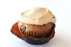 Via Cappuccino Muffins from Pioneer Woman. Seriously wonderful and not too sweet. I use mini chocolate chips:) Chocolate Chip Muffins, Mini Chocolate Chips, Chocolate Sprinkles, Keurig Recipes, Coffee Cupcakes, Quick Cake, Tasty Kitchen, Dessert Recipes, Desserts