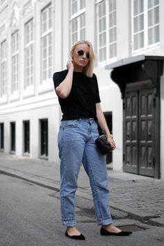 Comfort everyday outfit Cecilie Krog Look Bykrog Style fashion blogger Y.A.S Blazer Levi's jeans Flattered shoes Markberg bag